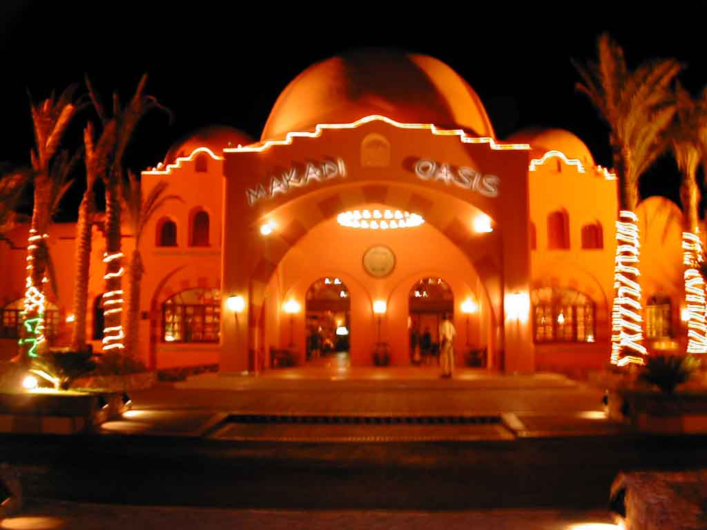 Makadi Oasis @ Night...